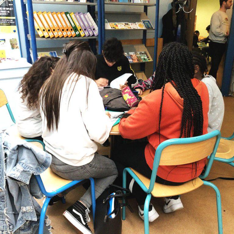accompagnement scolaire du secteur jeune au relais d'information jeunesse de wazemmes