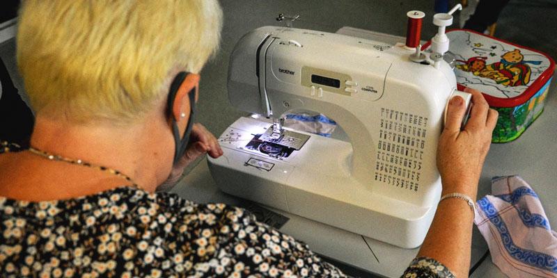 machine à couture lors de l'atelier couture à wazemmes